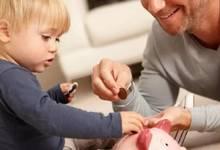 不想孩子未来做啃老族,3岁给零花钱真的不会太早!乐爸教你零花钱啥时给,怎么给