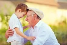 隔代教养是利还是弊,关键取决于父母